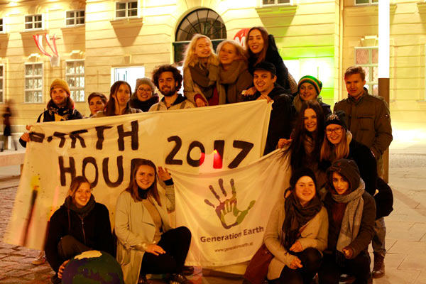 """Earth Hour """"Candle Light Dinner"""" in Wien"""