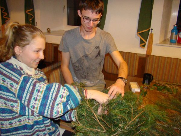 Advent wreath crafting